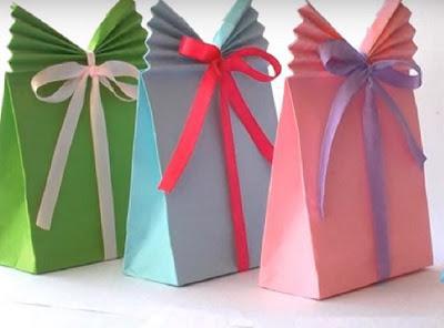 Теперь я умею заворачивать подарки лучше, чем в магазине! Хитрейший трюк.