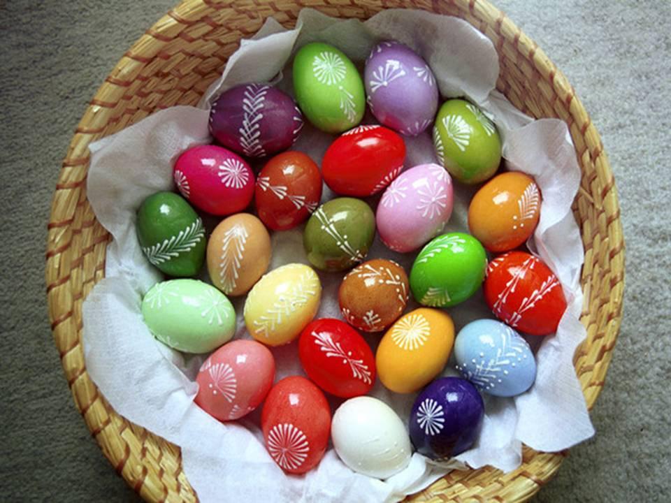 Как украсить яйца к Пасхе: 27 оригинальных идей декора и росписи