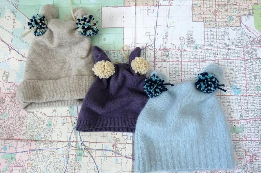 Детские шапочки из старого свитера - просто и быстро!