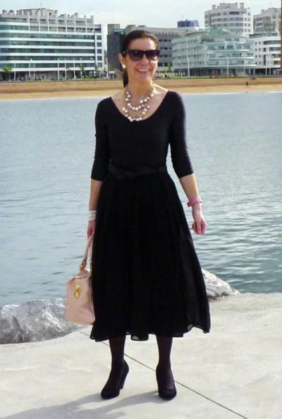 """платье с вырезом """"балерина"""" для 60-летней"""