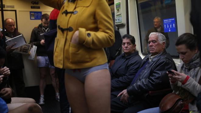 spain-no-pants-subway-2.jpg